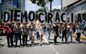OVCS: Venezuela sumergida en una profunda crisis a un año del 20 de mayo de 2018