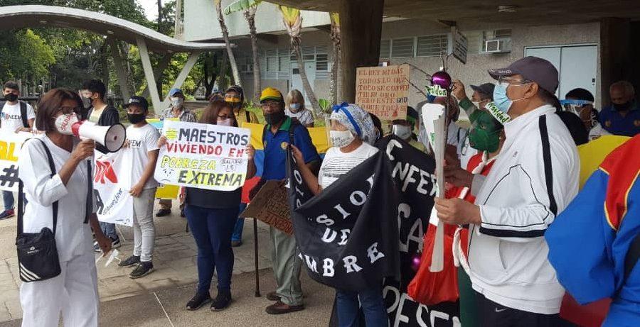 Trabajadores de la salud y educación protestaron unidos por cuarta vez en dos meses
