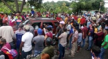 21.09.20 Vecinos de San Silvestre, Barinas denuncian irregularidades en la venta de bombonas de gas. Foto: UNT